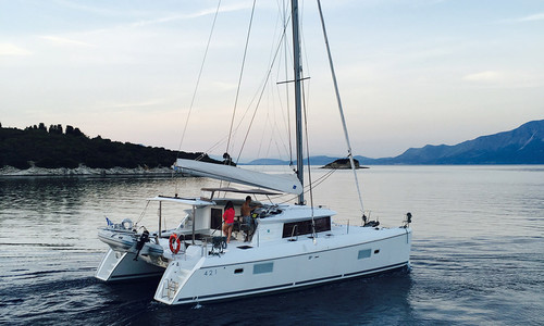 Image of Lagoon 421 for sale in Greece for €340,000 (£294,492) Greece