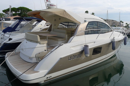 Prestige 38 S for sale in France for €185,000 (£160,900)