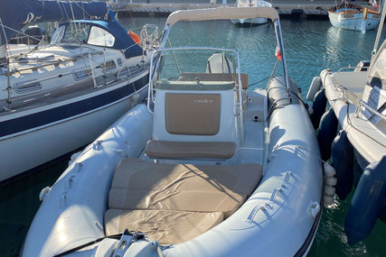 Zodiac MEDLINE 740 for sale in France for €44,000 (£37,880)