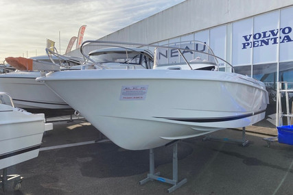 B2 Marine CAP FERRET 652 OPEN for sale in France for €43,000 (£36,326)