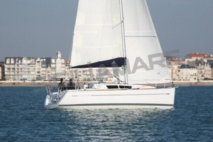 Jeanneau Sun Odyssey 33i for sale in Italy for €50,000 (£43,319)