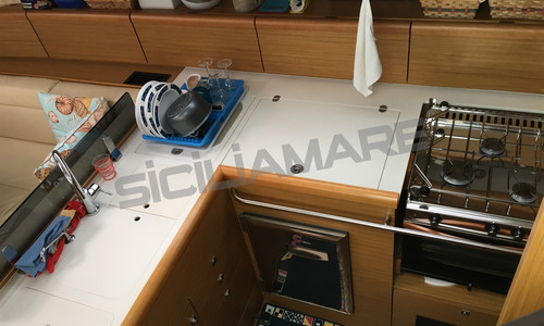 Image of Jeanneau Sun Odyssey 45 DS for sale in Greece for €155,000 (£132,631) Greece