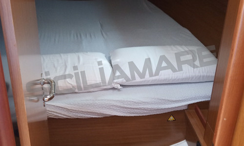 Image of Jeanneau Sun Odyssey 42i for sale in Italy for €79,500 (£68,027) Sicilia, , Italy