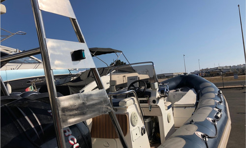 Image of Valiant 750 PATROL for sale in Portugal for €39,900 (£34,404) Parchal, , Portugal