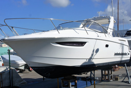 Jeanneau Leader 8 for sale in Portugal for €59,000 (£50,871)