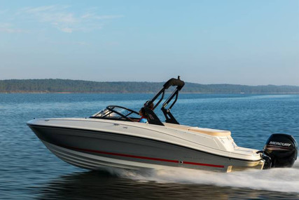 Bayliner VR5 for sale in Portugal for €29,700 (£25,569)