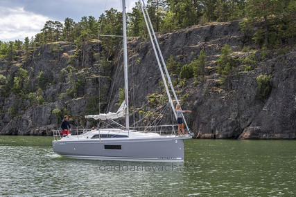 Beneteau Oceanis 30.1 for sale in France for €74,600 (£63,903)