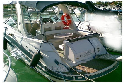Four Winns Vista 278 for sale in Italy for €55,000 (£47,835)