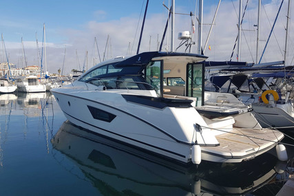 Beneteau Gran Turismo 46 for sale in France for €515,000 (£443,591)