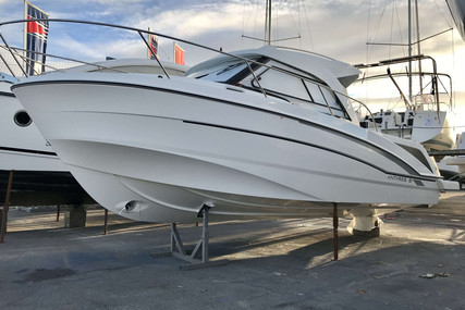 Beneteau Antares 8 OB for sale in France for €59,900 (£51,503)