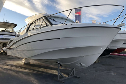 Beneteau Antares 8 OB for sale in France for €106,180 (£91,555)