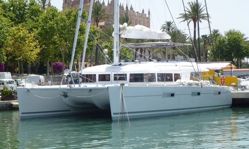 Image of Lagoon 620 for sale in Italy for €990,000 (£849,749) Venezia, , Italy