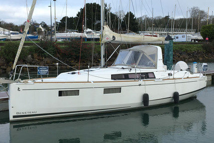 Beneteau Oceanis 35.1 for sale in France for €133,000 (£115,633)