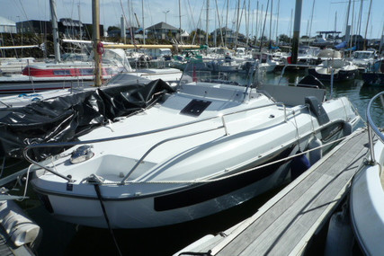 Beneteau Flyer 7.7 Sundeck for sale in France for €62,000 (£53,376)