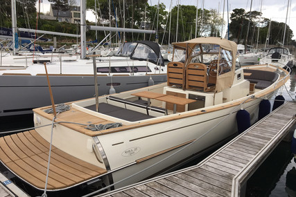 Rhea Marine 35 Open for sale in France for €220,000 (£191,376)
