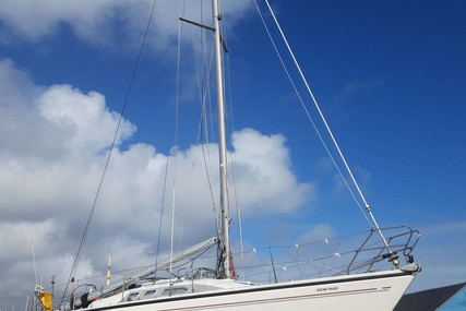 Dehler 34 for sale in France for €42,000 (£36,388)