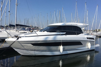 Jeanneau NC 33 for sale in France for €235,000 (£204,387)