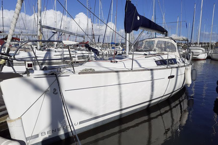 Beneteau Oceanis 37 for sale in France for €84,000 (£72,430)