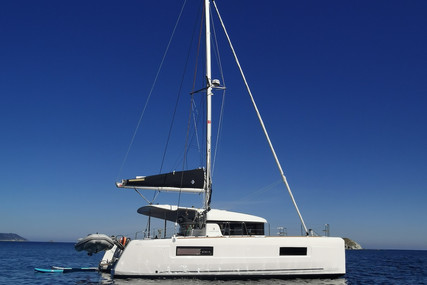 Lagoon 40 for sale in France for €375,000 (£324,892)