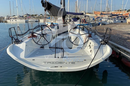 Italia Yachts 11.98 for sale in Italy for €350,000 (£299,071)