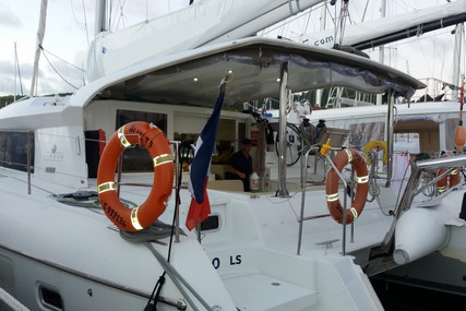 Lagoon 421 for sale in Martinique for €299,000 (£259,375)