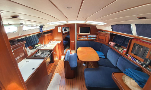 Image of Beneteau Oceanis 423 for sale in France for €83,000 (£70,094) Marina pointe du bout, Les trois Ilets, , France