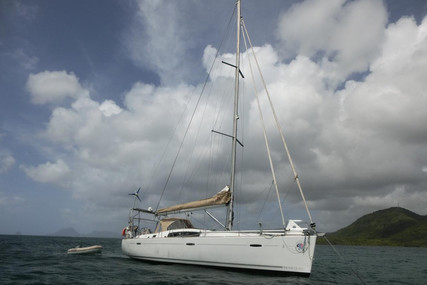Beneteau Oceanis 43 for sale in France for €105,000 (£91,289)