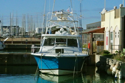 Luhrs 380 for sale in Italy for €240,000 (£206,932)