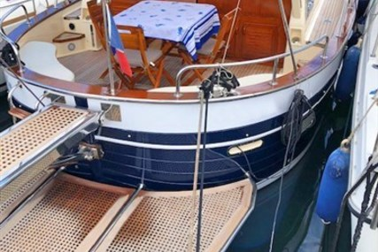 Apreamare 11 for sale in France for €115,000 (£99,634)