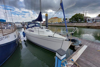 Hanse 311 for sale in Portugal for €40,000 (£34,490)