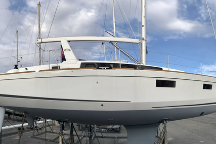 Beneteau Oceanis 38.1 for sale in France for €151,920 (£130,398)