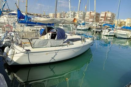 Maxi 28 for sale in Spain for €29,000 (£25,241)
