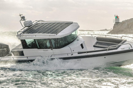 Axopar 28 AFT CABIN for sale in United Kingdom for £109,950