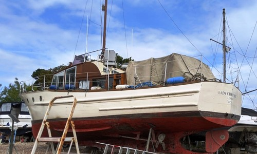 Image of 38ft MOODY TWIN SCREW MOTOR YACHT for sale in United Kingdom for £30,000 Hamble, United Kingdom