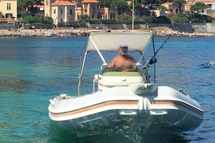 EFFELLE 7.50 for sale in Italy for €22,000 (£18,927)