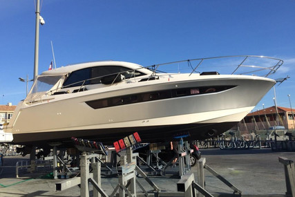 Jeanneau Leader 10 for sale in France for €139,000 (£120,915)
