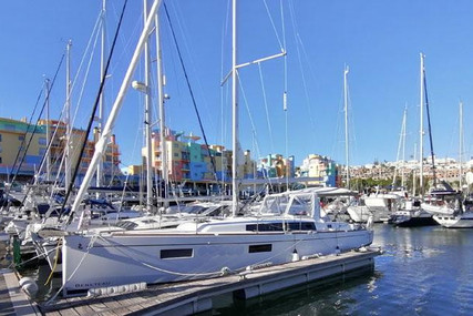 Beneteau Oceanis 38.1 for sale in Portugal for €218,000 (£187,832)