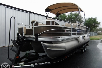 Sun Tracker 24 DLX Fishin' Barge for sale in United States of America for $49,900 (£35,558)