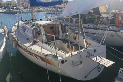 Beneteau First 28 for sale in France for €9,000 (£7,738)