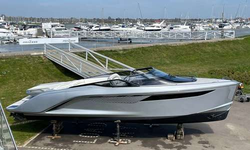 Image of Princess R35 for sale in United Kingdom for £599,950 Boats.co., United Kingdom