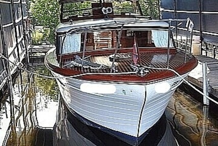 Chris-Craft Constellation 34 for sale in United States of America for $49,900 (£35,558)