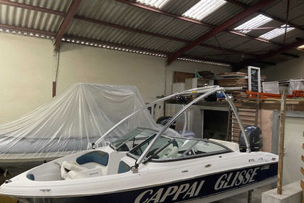 Four Winns Horizon 180 for sale in France for €15,000 (£12,924)