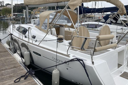 Beneteau Oceanis 40 for sale in Portugal for €110,000 (£94,699)