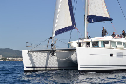 Lagoon 440 for sale in France for €315,000 (£271,187)