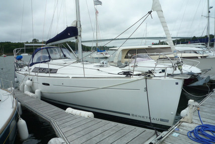 Beneteau Oceanis 37 for sale in France for €86,000 (£74,038)