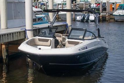 Bayliner VR5 for sale in United States of America for $32,999 (£23,421)