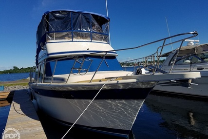 Chris-Craft Corinthian 380 for sale in Canada for $80,000 (£46,110)