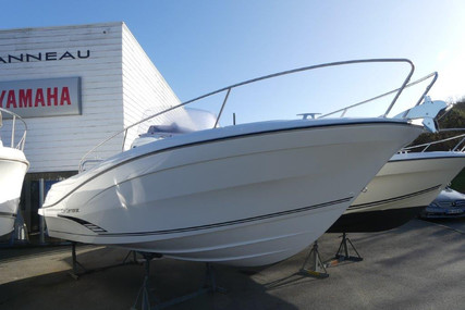Jeanneau Cap Camarat 7.5 Cc for sale in France for €60,000 (£51,627)