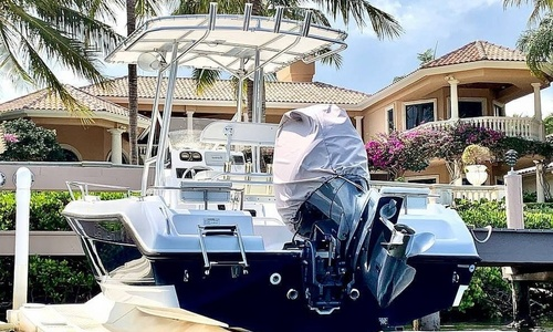 Image of Century 2001 for sale in United States of America for $44,500 (£32,086) Jupiter, Florida, United States of America