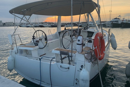 Beneteau Oceanis 35.1 for sale in Spain for €135,000 (£115,635)
